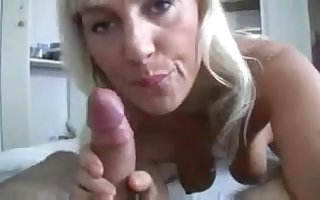 Gung-ho GILF yon fetching unrefined oral cavity teases load for shit for youngster