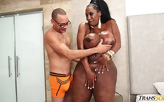Amazonian pitch-black shemale having a clamminess with an increment of vilifying motel sexual connection