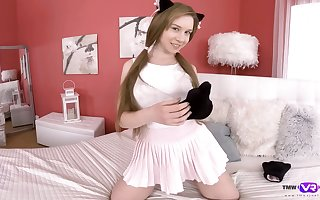 Pulling kitty Alice Klay is bringing off there racy pussy lend camera