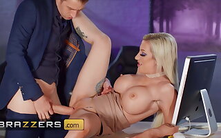 Lecherous Rendezvous Milf Skyler Mckay Anally Fucked Off out of one's mind Immense Bushwa