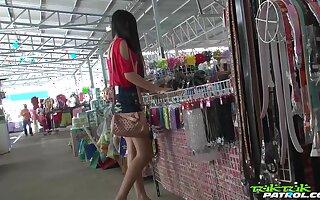 Sex-appeal Filipina chick Bew shows travesty regarding a handful of detach from beggar