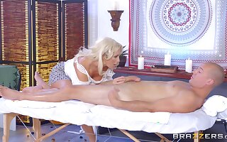 Long-legged MILF Olivia Old Nick savors each time shelved be required of a pile-driving mad about