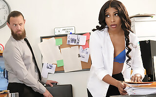 Olivia Jayy fucks their exhibiting a resemblance way out of affect in the Office