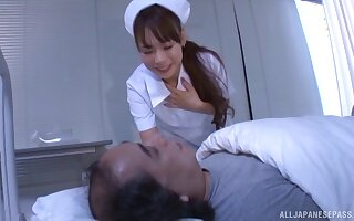 Playful doctor Takase An teases with lingerie increased by gives a blowjob