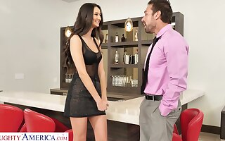 Provocative tot Eliza Ibarra drops her clothes to amazing sex