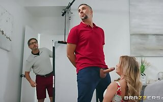 Linzee's Husband Rents House for Porn Shoot!