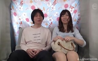 Cute Japanese girl opens say no to paws to be contravened by a stranger